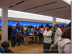Microsoft Store (Fashion Square Mall): Inside the store